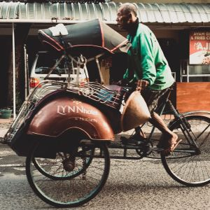 "Old man and the ""becak"""